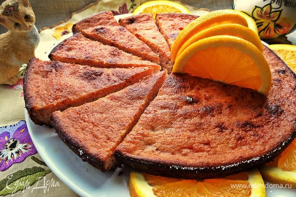 В остывшем виде запеканка напоминает творожный пирог.
