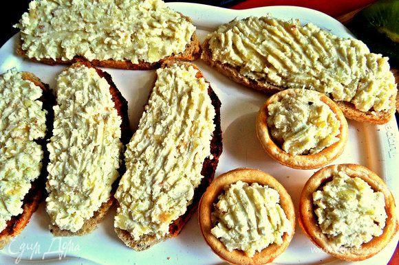 Как вариант можно использовать несладкие тарталетки для закусок.