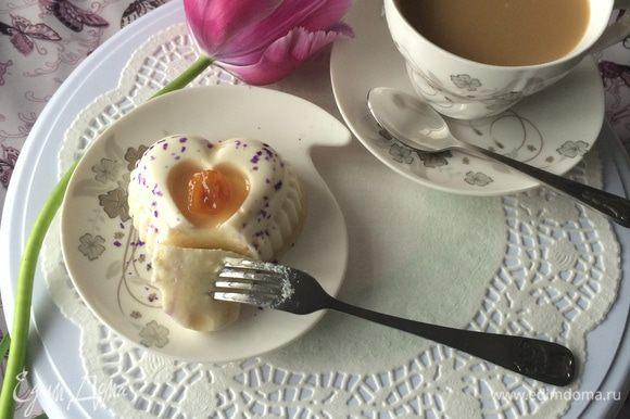 Очень нежный и вкусный десерт. Любители творога оценят. Приятного аппетита и красивого праздника Весны!!!