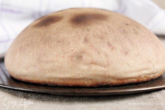 Выпекать до готовности в предварительно разогретой духовке. Какой аромат! Готовый бисквит остудить, нарезать маленькими кубиками, подсушить и смолоть в крошку.