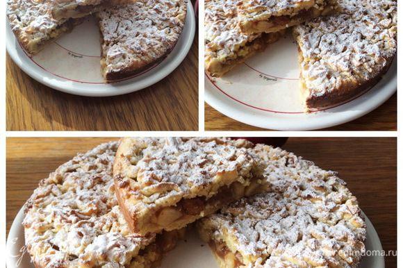 На выходные пекла этот замечательный Яблочный пирог по-польски по Ирочкиному (burro.salvia) рецепту http://www.edimdoma.ru/retsepty/65477-yablochnyy-pirog-po-polski. Очень вкусный, напоминаю тем кто готовил его и забыл, а кто еще не пробовал, стоит приготовить!!!