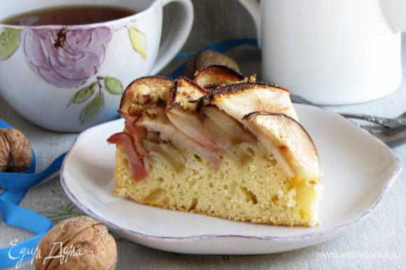 А это пирог в разрезе. Приятного чаепития!