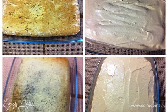 Сборка торта-пирожного. Я собирала в той же форме, что и коржи выпекала. Укладываем в форму один песочный корж, щедро смазываем кремом, затем — маковый корж, также смазав кремом. И последний третий корж — еще один песочный, а сверху крем. Отправляем в холодильник минимум на 6 часов (у меня ночь простоял).