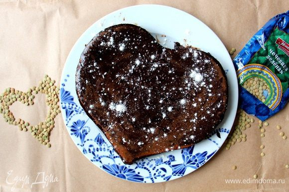 Можно посыпать сверху какао, щепоткой муки или сахарной пудры.