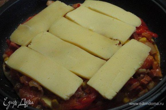На начинку выложила оставшийся сыр.