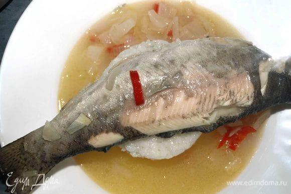 Рыбу можно подать целиком.