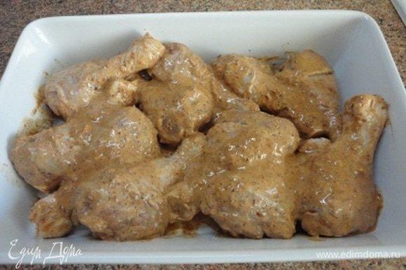 Голени выложить в форму и запекать в уже горячей духовке вместе со свеклой 25-30 минут.