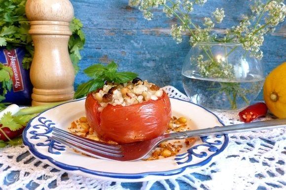 Вкусные помидоры готовы. Подаем на легкий ужин с салатом. Или как гарнир к рыбе или курице. Приятного аппетита!