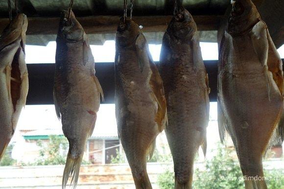 Рыба через 7 суток. Убираем марлю и снимаем рыбу.