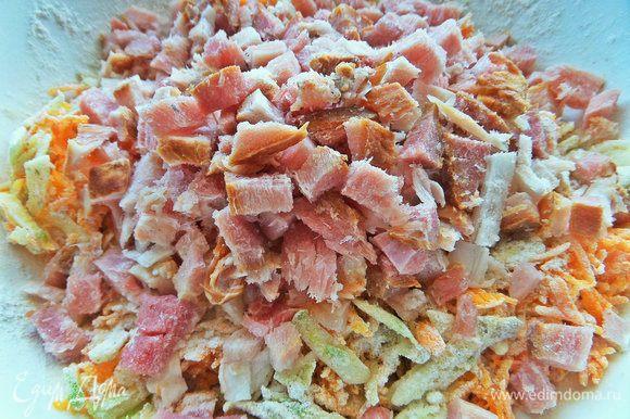 Добавить копченое мясо или колбасу.