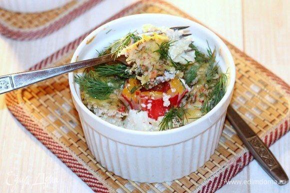 Приготовленное блюдо посыпаем зеленью укропа и подаем. Получается довольно сытное, но одновременно легкое блюдо для всей семьи.