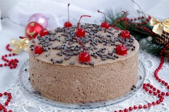 Украсить торт по своему желанию.