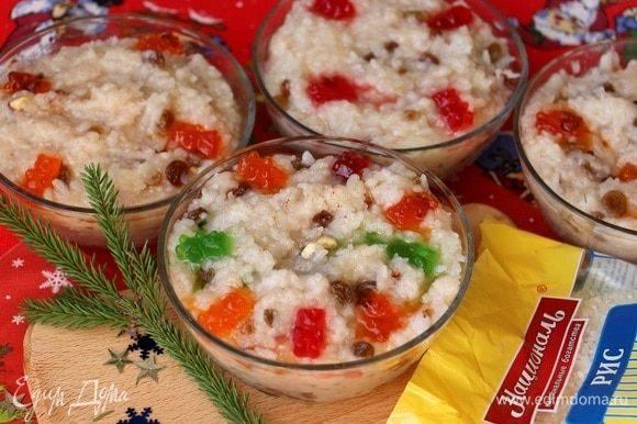 Из указанного количества ингредиентов получается 4 тарелки кутьи, как раз для крестных двух детей.