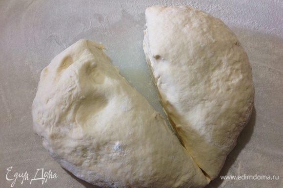 Делим тесто на две части, из каждой части выходит 4 лепешки, итого 8.
