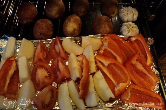 Эта картинка — окинуть глазом гарнир. Очевидно — вариантов масса. Вообще-то, в оригинале, дядя Федор пюре делал. По мне так, блюдо и так не низкокалорийное, так лучше овощ любой, но печеный, главное — разный.