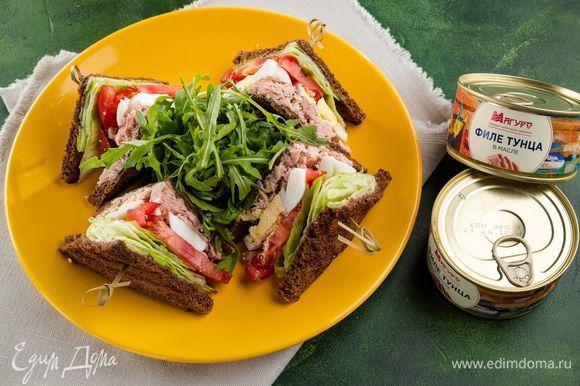 Соедините половинки сэндвича. Отличный вариант здорового перекуса. Угощайтесь!