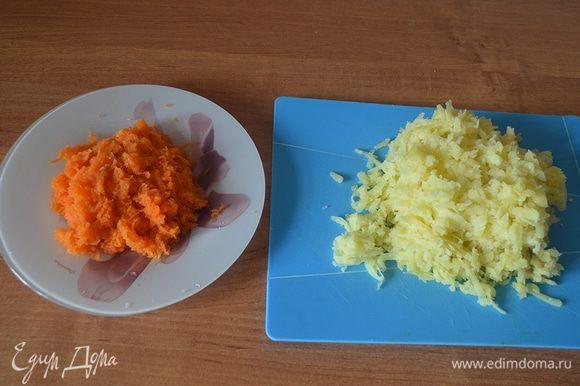 Теперь, когда наши жаворонки готовы, приступим к приготовлению салата «В объятьях весны». Картофель и морковь тщательно вымыть и отварить в кожуре до готовности. Сваренные овощи остудить, очистить и натереть на терке: морковь — на средней, картофель — на крупной.