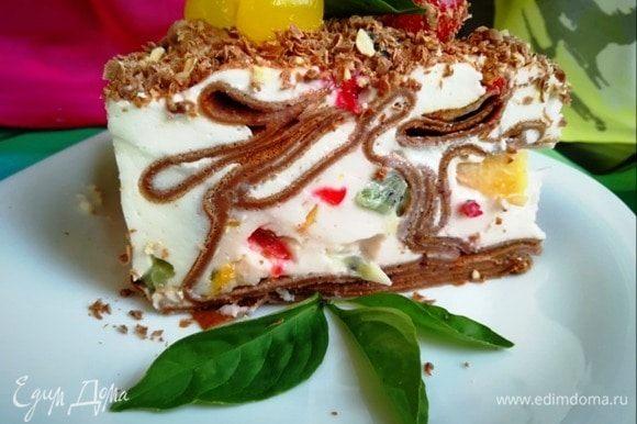 Вот такой красивый фантазийный торт получился.