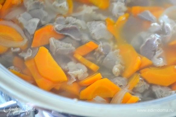 Варим суп до готовности, подсаливаем по вкусу.