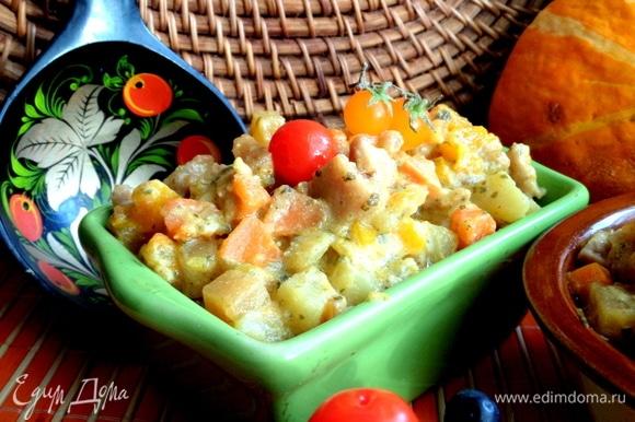 К рагу подойдут дополнительно свежие или маринованные овощи.