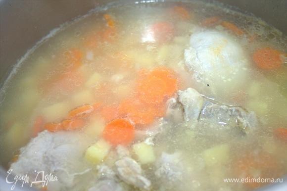 Варим суп почти до готовности.