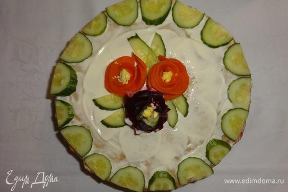 Закусочный блинный торт «Селедка в пеленках» готов! Вид сверху.