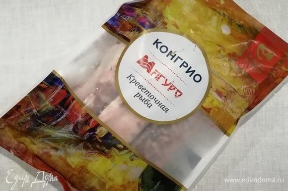 Креветочную рыбу конгрио ТМ «Магуро» размораживаем согласно инструкции на упаковке.