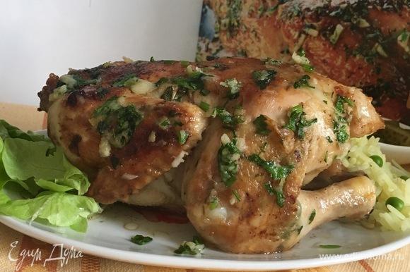 Зажаристый и ароматный цыпленок с чесночком.
