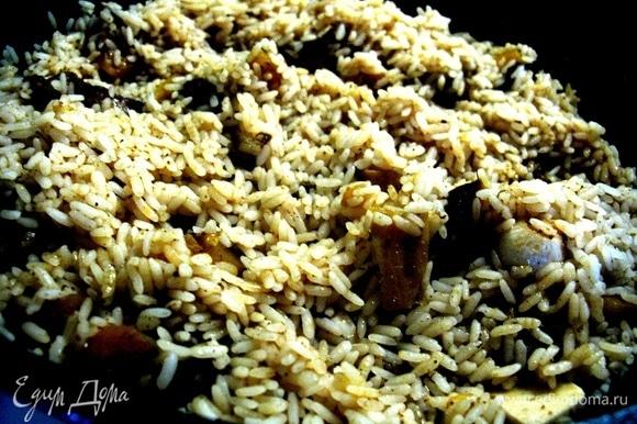 Если все верно, то у вас выйдет невероятно вкусный рис: рассыпчатый, но не жирный, питательный, с очень насыщенным ароматом. Приятного всем!