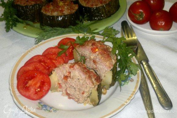 Подать блюдо к столу со свежими или маринованными овощами. Угощайтесь! Приятного аппетита!