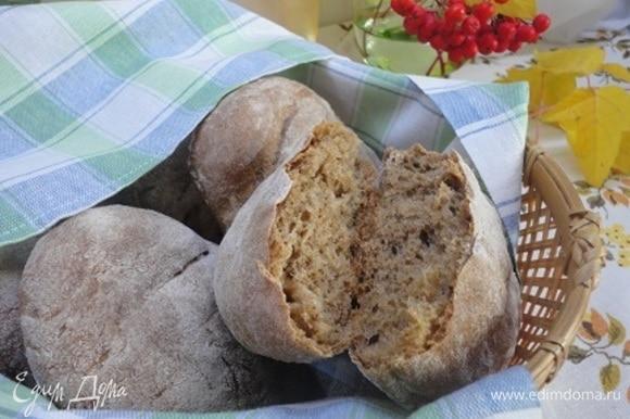 По составу — хлеб, а по мягкости — булочка! С тонкой корочкой.