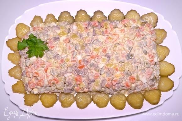 Салат с языком готовится очень просто из доступных продуктов. Можно варьировать состав ингредиентов по желанию. Гурманам очень понравится! Просто, быстро и безумно аппетитно!