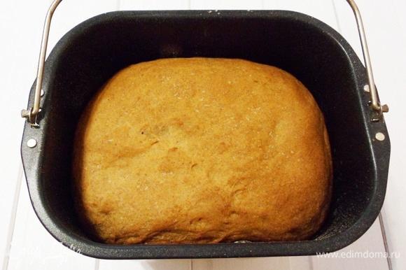 Через 3 часа 10 минут пшеничный хлеб готов.