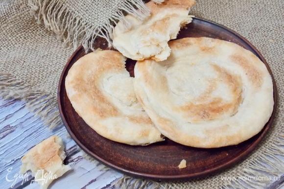 Подаем теплыми или холодными вместо хлеба.