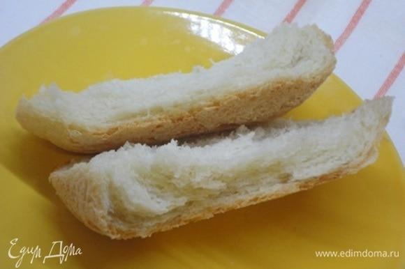 А вот корочка на излом. Комментарии излишни! Сегодня печется хлеб из смеси пшеничной и цельнозерновой муки.