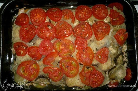 Готовое блюдо достать из духовки.