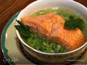 Семга с супом-пюре из зеленого горошка