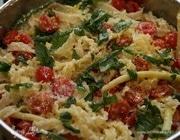 Макароны со стручковой фасолью и помидорами