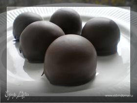 Яблочные шарики с ромом, ванилью и шоколадом