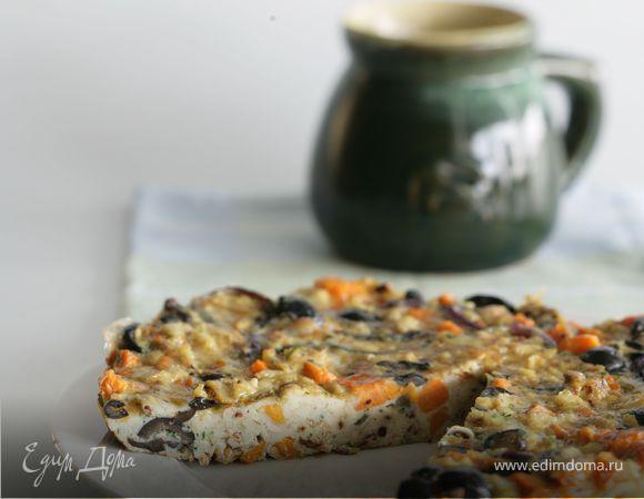 Оливковая фриттата со сладким картофелем и красным луком