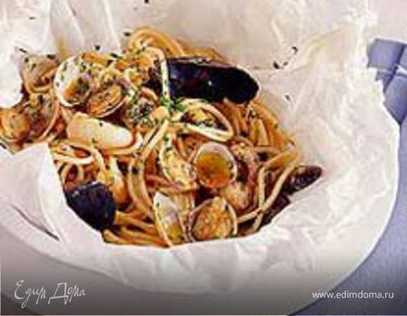 Спагетти с морепродуктами в пергаменте