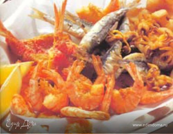 Ассорти из жареных морепродуктов