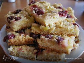 Пирог с ревенем и вишней.