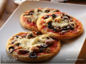 Пицца с мидиями и тунцом