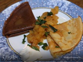 Блины с ананасовым соусом