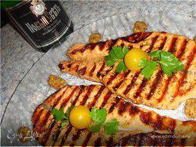 Семга в маринаде, приготовленная на мангале
