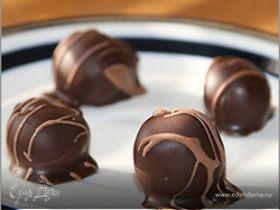 Шоколадное фондю с фруктовыми шашлыками