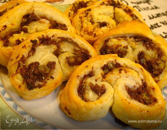 Пирожки с маслинами и розмарином