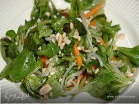 Тайский салат с арахисом