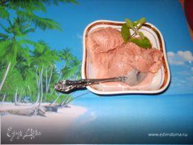 Карамельно-вишнёвое мороженое с корицей